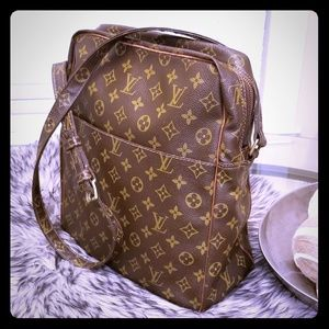 Part 2 Authentic Louis Vuitton Marceau Bag